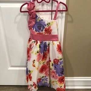Gorgeous flora girls dress